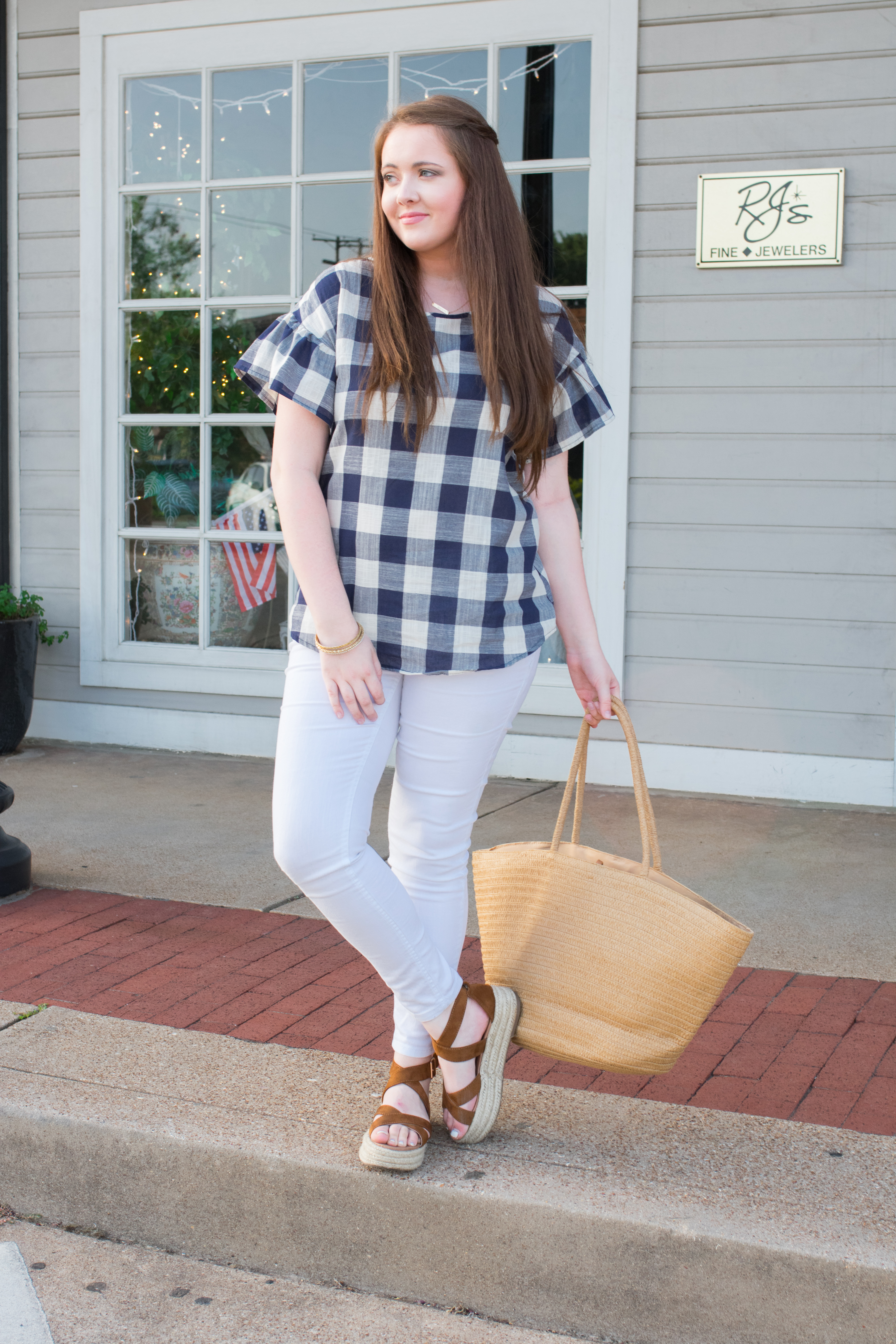 A Must-Have Gingham Top For Summer + I Am A Fashion Stylist Now!?